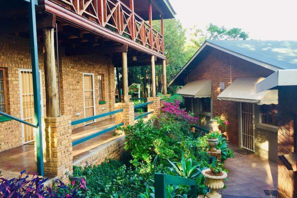 Amper Bo Guesthouse in Riviera Pretoria